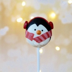 4 Christmas Penguin Cake Pops