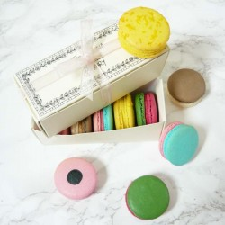 Macaron Pick and Mix Sweet Selection Box of 5