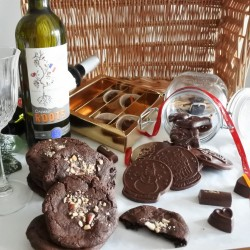 Vegan Assorted Organic Chocolate, Cookies & Wine Wicker Hamper -For 2-3 People (Soya & Gluten Free)