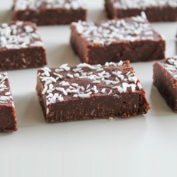 No-Bake Tahini & Coconut Fudge Brownies