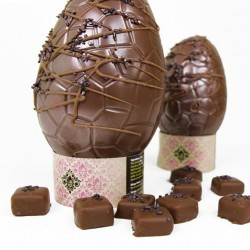 Artisan Chocolate Easter Egg - Strawberry & Champagne