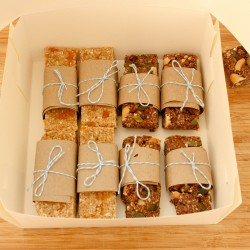 Vegan Breakfast Bars Box