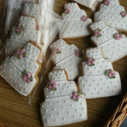 Wedding Cake Cookie Favours