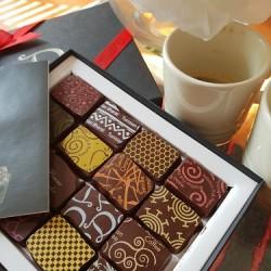 Classic Ganache Gift Selection Box (16 Chocolates)