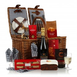 The Jolly Robin Picnic Basket Christmas Hamper