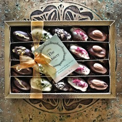Chocolate Covered Dates Large Gift Box - Limited Gold Edition