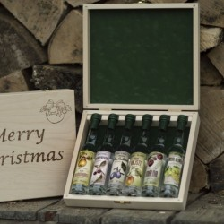 6 Mini Bottles of Premium Palinka in a Wooden Christmas Gift Box