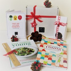 Healthy Christmas Hamper packed full of Goodies and a Freebie too!