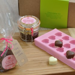Make Your Own Vegan Chocolates! Personalised Chocolate Making Kit