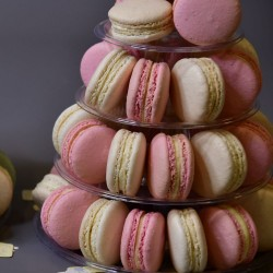 40 Macarons Tower