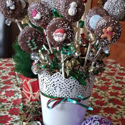 Christmas Cake Pops Bouquet
