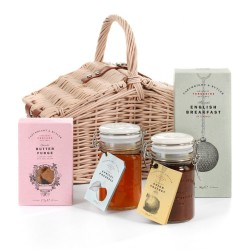 The Sledmere Hamper - Sweet Snacks Small Gift Set