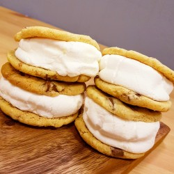 S'mores Cookies Sandwiches
