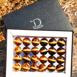 24 Caramelised White Chocolate Domes filled with Hawaii Volcano salt and Maple Caramel