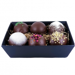 Chocolate Teacake Hamper (6 Teacakes)
