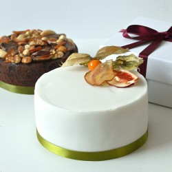 Vegan Iced Christmas Cake