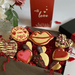 Valentines Indulgent Biscuit Box