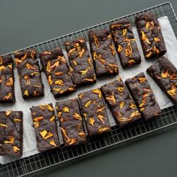 Dried Mango & Ginger Brownie - Vegan & Gluten Free (14 Slices)