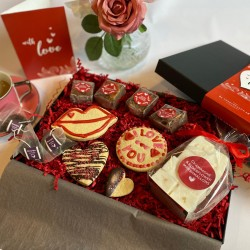 Valentines Treats & Tea Gift Box