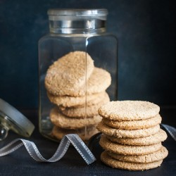 Williams Crumbly Honey Oat Biscuits