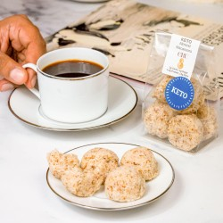Raw Keto Almond Macaroons