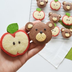 Novelty Butter Shortbread (Choice of Apples & Bears)