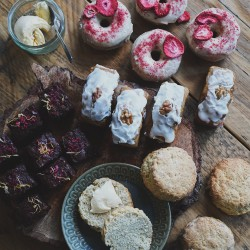 Vegan Afternoon Tea Box For Four - With Donuts