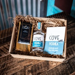 Devon Cove Vodka and Salcombe Dairy Chocolate Gift Set
