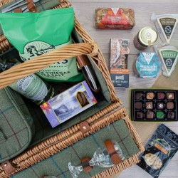 Middleton Luxury Traditional Picnic Hamper