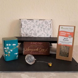 Herbal Tea and Honeycomb Vegan Chocolate Christmas Gift Box