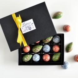 Handmade Winter Chocolate Selection with Festive Flavours