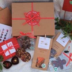MERRY CHRISTMAS VEGAN CHOCOLATE GIFT HAMPER