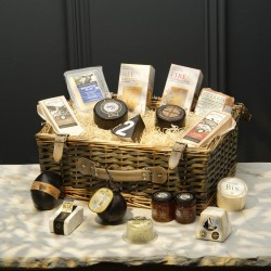 The Cheese Lovers Gift Set Extra Large