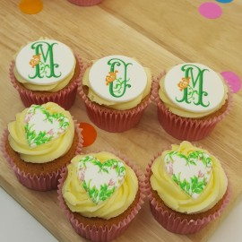6 Mother's Day Floral Cupcakes Gift Box