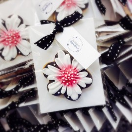 Hand Painted Flower Biscuit Favours (Choice of Colour)