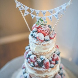 Naked Wedding Cake. Image by Cotswold Pictures