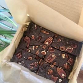 Caramelised pecan brownies (GF, vegan, refined sugar free)