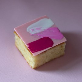 Pink G&T cakes