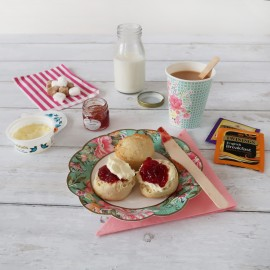 Cream tea with Vintage design
