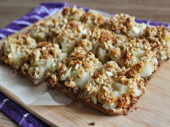 Spiced Apple Crumble Squares