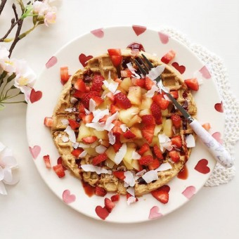 Vegan & Gluten-Free Vanilla Protein Waffles with Poached Apple