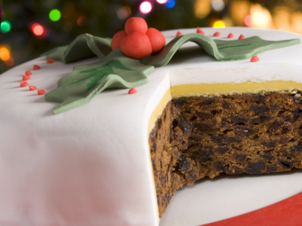 Top 5 Gluten Free Christmas Cakes to Spice Up Your Christmas Dinner