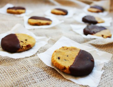 Chocolate Chip Peanut Butter Chickpea Cookies