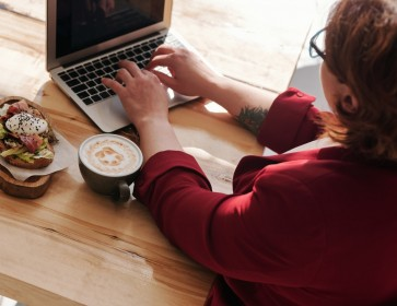 5 tips to eat healthy whilst working from home