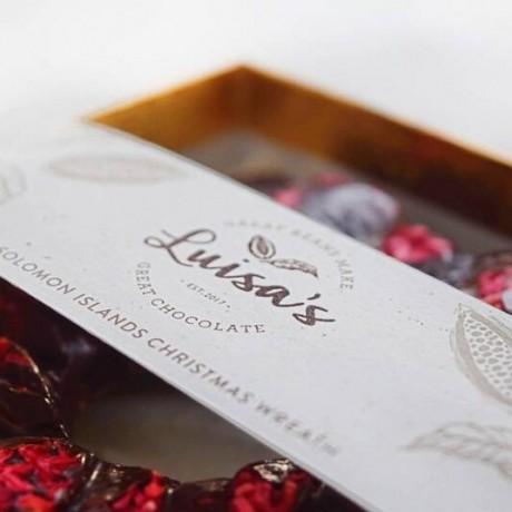 Raspberry 75% Solomon Island Christmas Chocolate Wreath