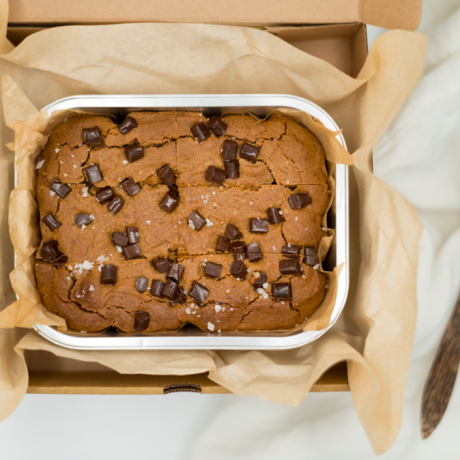 Salted Almond Butter & Chocolate Chip Blondies | Vegan, Gluten & Refined Sugar Free