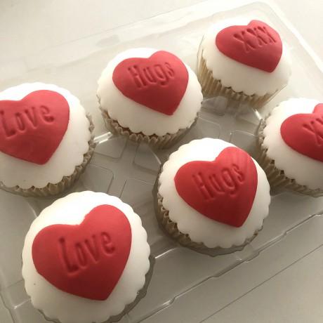 Love, Hugs and XXX's Cupcake Gift Box
