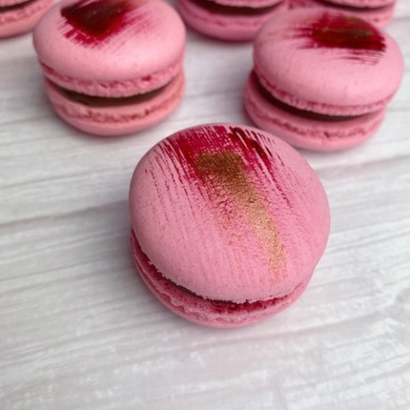 Pink French Macaron Cookies with a Pink and Rose Gold Decorating
