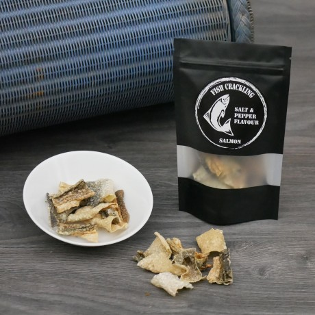 Dried Salmon Fish Crackling Chips with Salt & Pepper