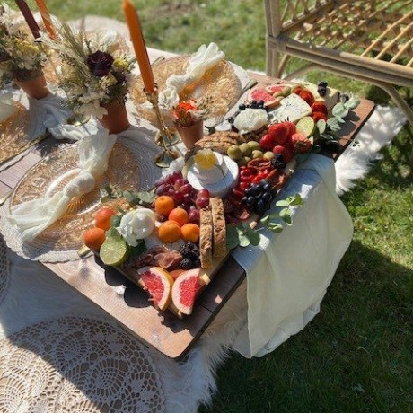 Fig & Flower Grazing picnic hamper